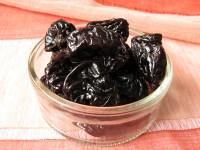 Полезные свойства чернослива, его вред