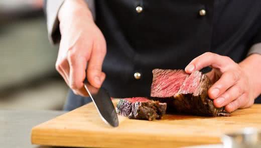 Стейки говядины в мультиварке