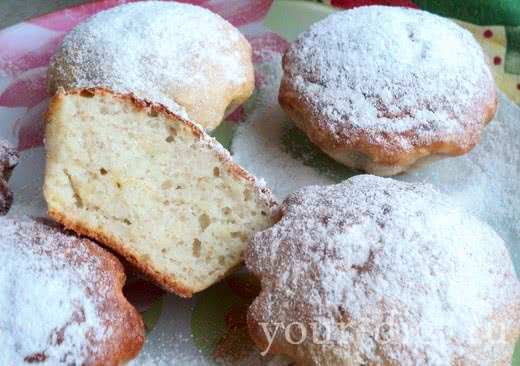 Банановые кексы с сахарной пудрой