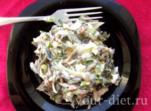 Готовая закуска из морской капусты с грибами