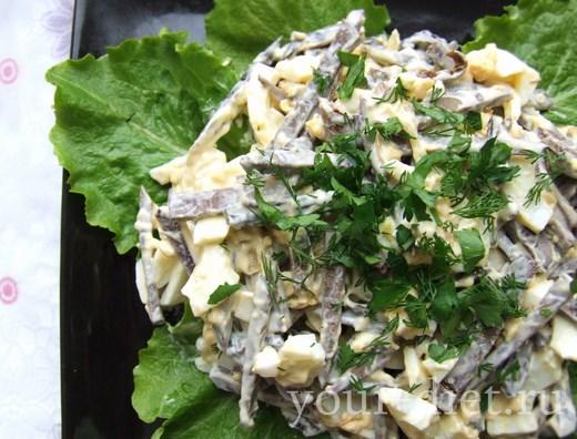 Салат грибной с печенью