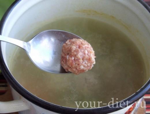 Добавляем в суп фрикадельки