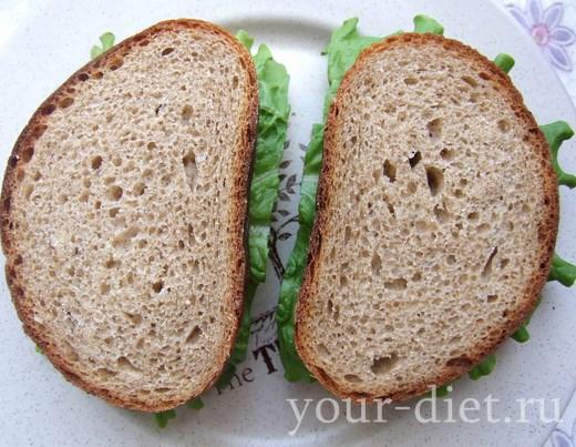 Накрываем салат хлебом