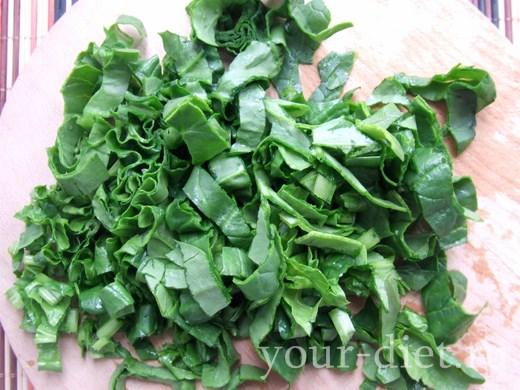 Нарезанные листья шпинаты