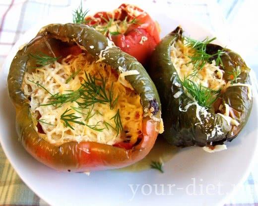 Перец, начиненный сырно-овощным фаршем